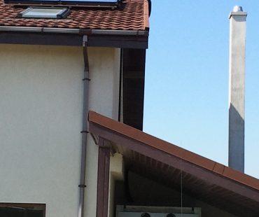 Punct termic cu cazan pe peleti SP261-25kW + cazan electric + solar cu 2 panouri plane SKS, pe acoperis de tigla